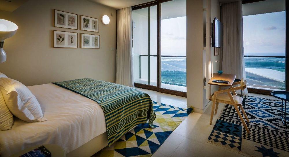 חדר דלקס עם מרפסת ונוף לים